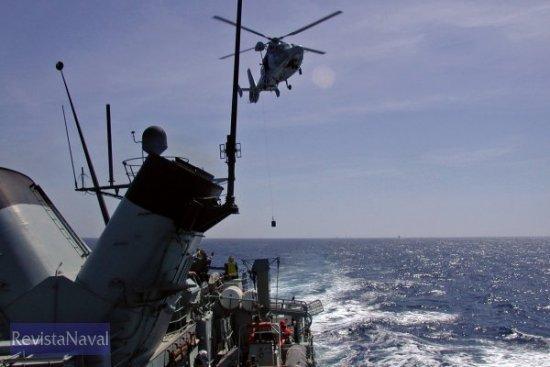 Vertrep con el helicóptero de la «Mohammed V» Foto: vía Javier Peñuelas)