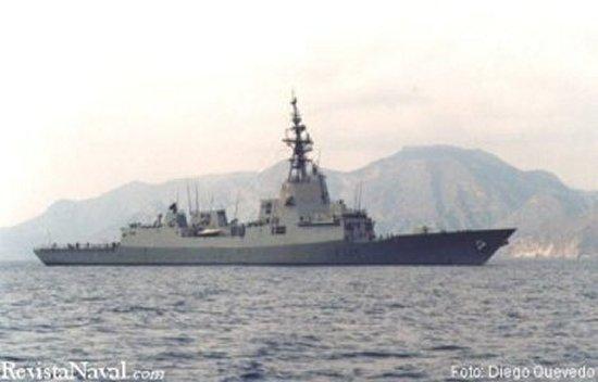 El buque hizo su entrada a las 13.00 horas en el puerto de Cartagena (Foto: Diego Quevedo Carmona).