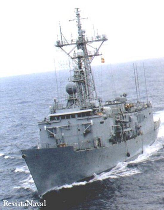 Una imagen de la fragata F-81 Santa María, cabeza de la serie de 6 buques que lleva su nombre (Foto: MDE).