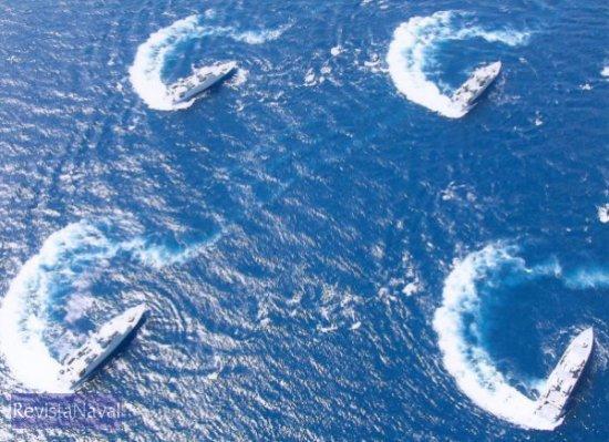 En esta imagen se aprecia la extraordinaria maniabrabilidad de los 4 cazaminas de la clase Segura actualmente en servicio.