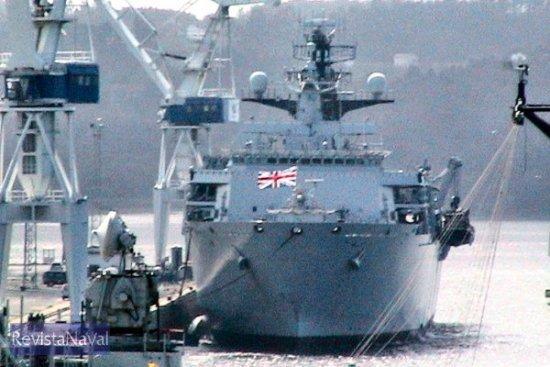 El buque atracó en los muelles de Navantia (Foto: X. Porto/RevistaNaval.com)