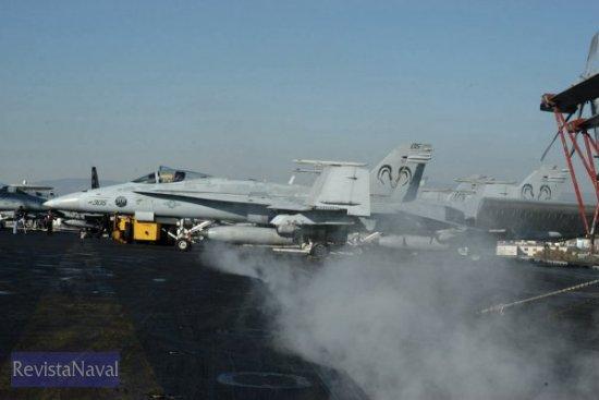 Los hermanos mayores del F-18C pasarán a ser los aparatos más poderosos del Grupo Aéreo Embarcado (Foto: Javier Sánchez/RevistaNaval.com)
