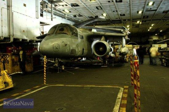 Hangar del buque (Foto: Javier Sánchez/RevistaNaval.com)