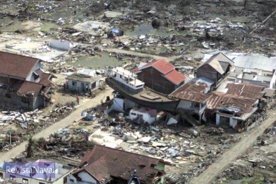Los militares españoles han podido contemplar las dantescas dimensiones del desastre natural(Foto: Armada)