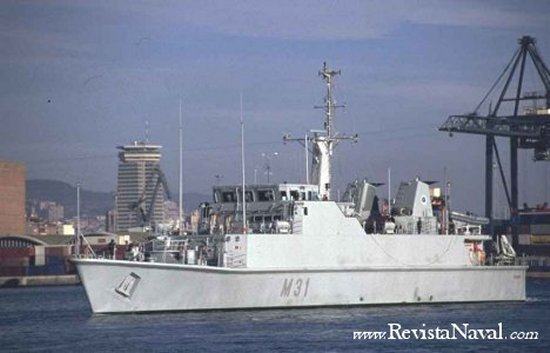 El M 31 Segura visitó por primera vez el puerto de Barcelona
