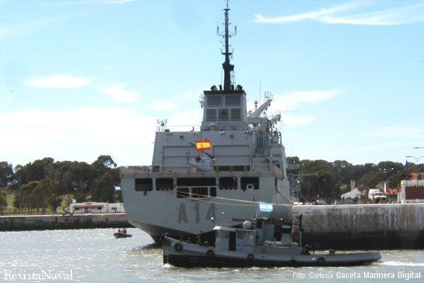 Buque de Apoyo de Combate A-14 «Patiño» atracado en Puerto Belgrano (Foto: cortesía Gaceta Marinera Digital - www.gacetamarinera.com.ar)