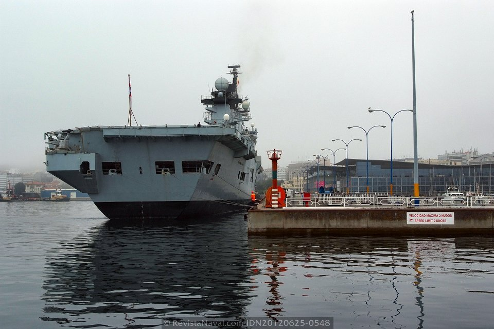 El portahelicópteros HMS «Illustrious» en A Coruña