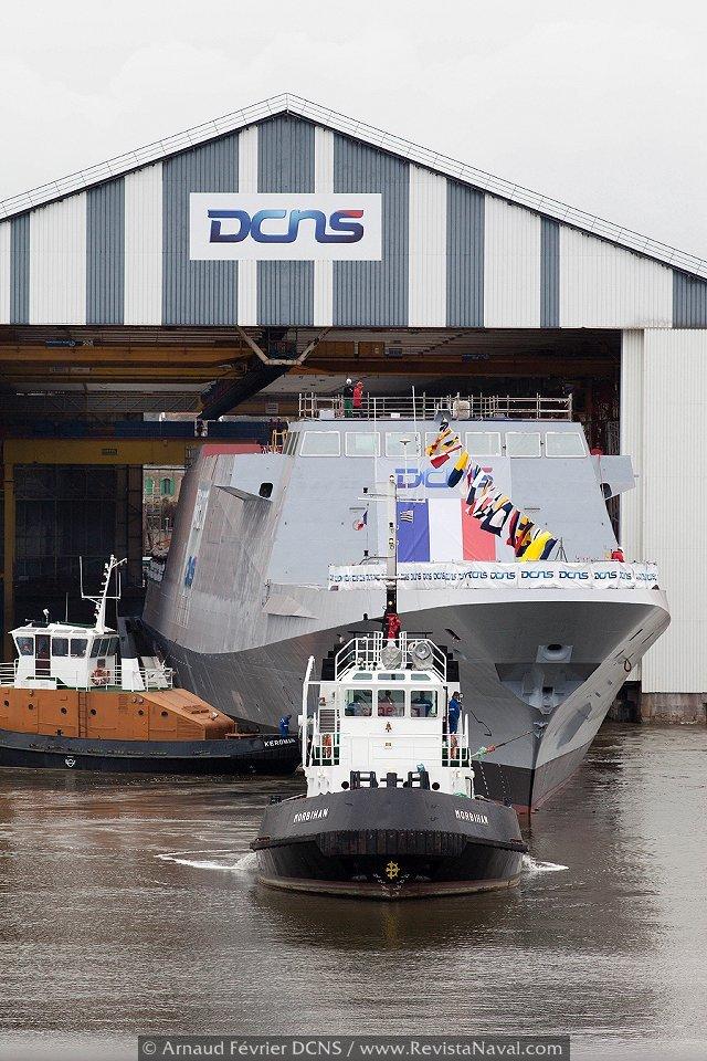 DCNS pone a flote la fragata «Normandie»