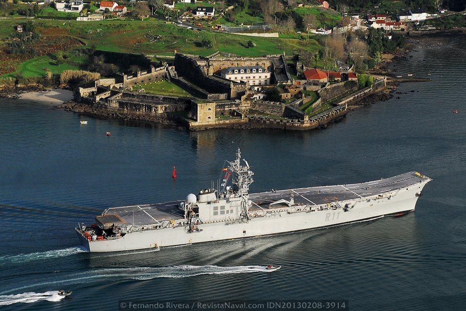 El portaviones «Príncipe de Asturias» arriba a Ferrol y pone fin a su vida operativa