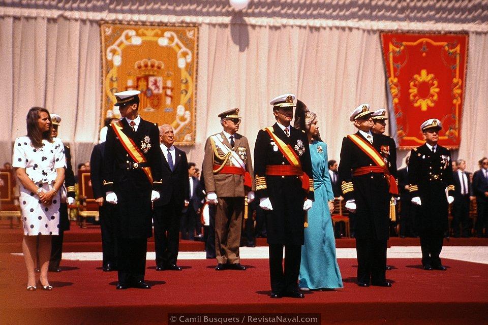 «Príncipe de Asturias»: la entrega de la bandera de combate