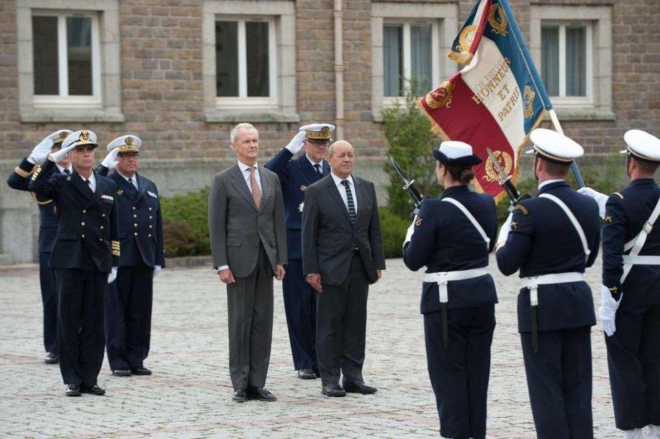 España y Francia acuerdan impulsar una nueva estrategia marítima en la UE