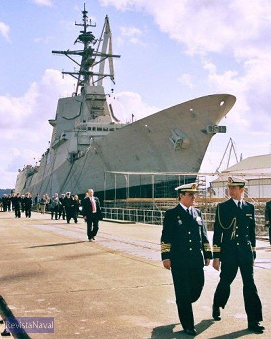 El almirante Rapallo en uno de los últimos actos oficiales a los que acudió como Almirante Jefe de la Zona Marítima del Cantábrico (Foto: RevistaNaval.com).