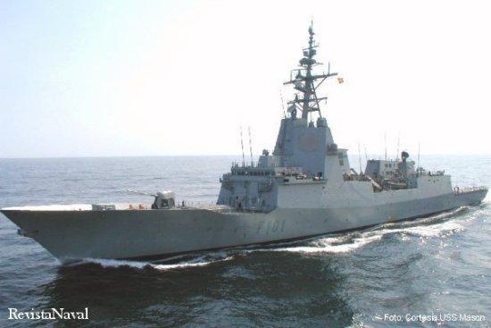 La fragata F 101 Álvaro de Bazán se acerca al destructor norteamericano USS Mason (DDG 87) por su costado de estribor (Foto: Cortesía USS Mason).