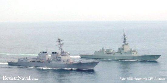 El destructor USS Mason (DDG-87) y la fragata F 101 Álvaro de Bazán  navegando juntos (Foto: ORP Armada).