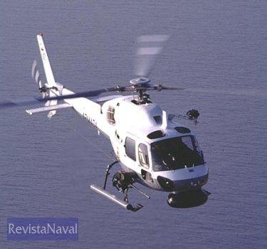 Un Fennec de la Marina de Colombia, equipado con radar de búsqueda de blnacos de superficie, cañón de 20 mm y un gancho (Foto: Eurocopter).