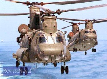 Chinook britânicos embarcados en un portaaviones durante la guerra de Iraq (Foto: Ministerio de Defensa británico).