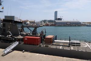 Una de las características de los patrulleros oceánicos de la clase Amazonas es su capacidad de carga estibada en contenedores sobre la cubierta de vuelo. Esta posibilidad permitió transportar los suministros necesarios para reparar a la fragata F45 União durante su despliegue en Líbano